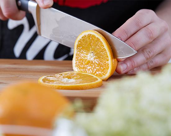 Hollersirup - Orangen schneiden