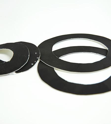 ausgeschnittenen Ringe