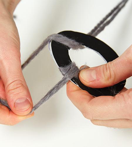 ....2 Ringe gleicher Größe zusammenlegen und mit dem Umwickeln kann begonnen werden