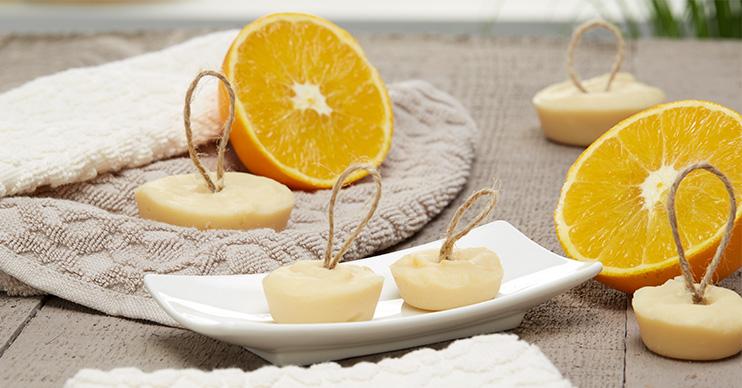 seife mit honig und orange selber machen m max blog. Black Bedroom Furniture Sets. Home Design Ideas