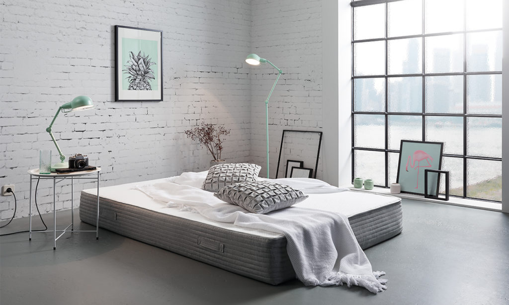 Schlafzimmer Sehr Minimalistisch Eingerichtet