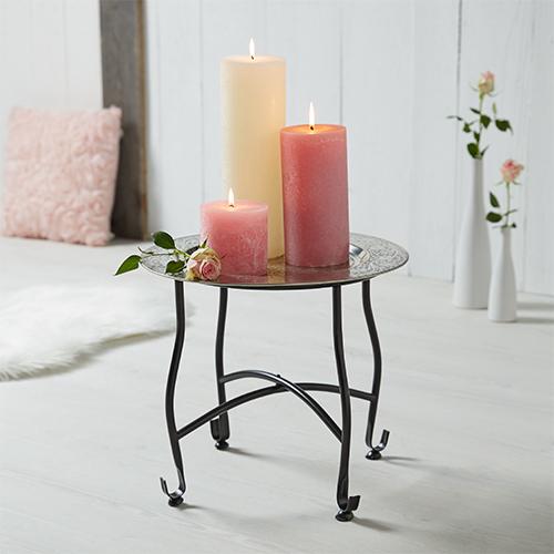 Pure Romance - Kerzen am Beistelltisch