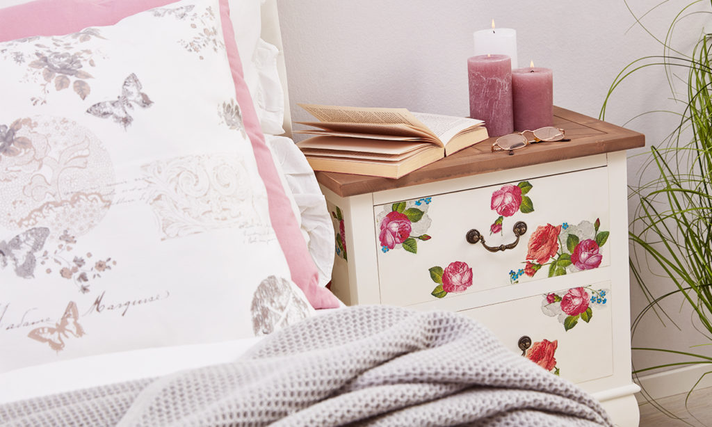 mit serviettentechnik m bel versch nern m max blog. Black Bedroom Furniture Sets. Home Design Ideas