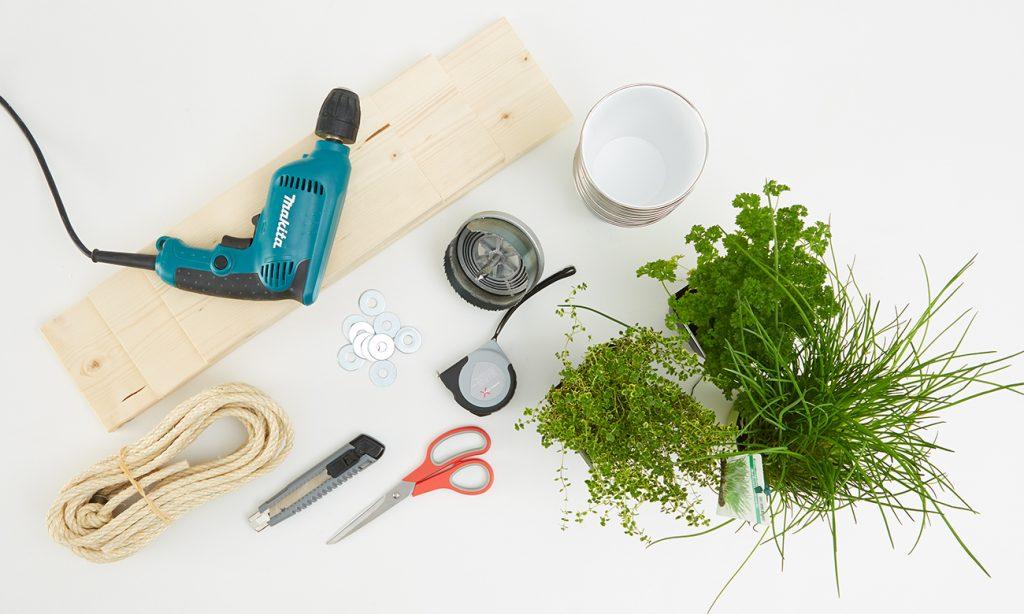 Kräuterregal selber bauen - Was man dazu alles benötigt