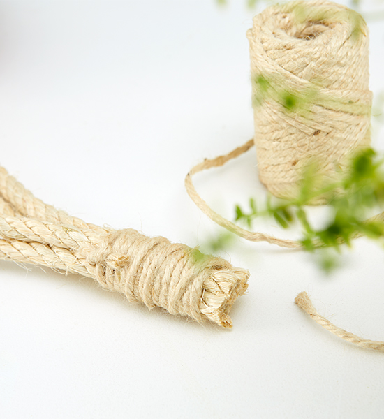 Die 4 Seile werden am Ende zusammengebunden
