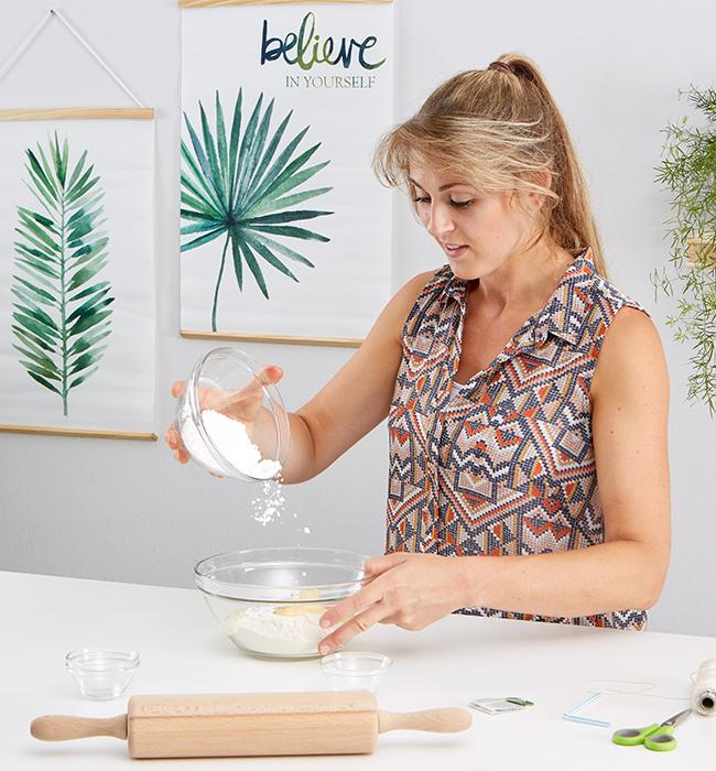 Teebeutel Kekse - alle Zutaten zu einem Mürbeteil verarbeiten