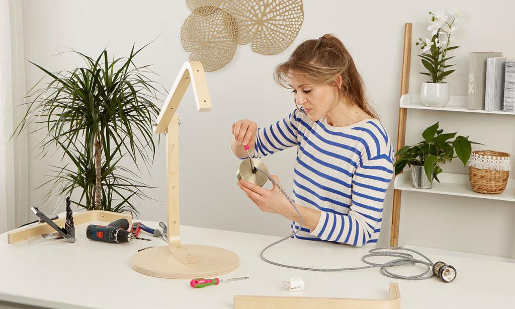Tischleuchte aus Holz selber machen - mömax Blog - Yvonne bastelt