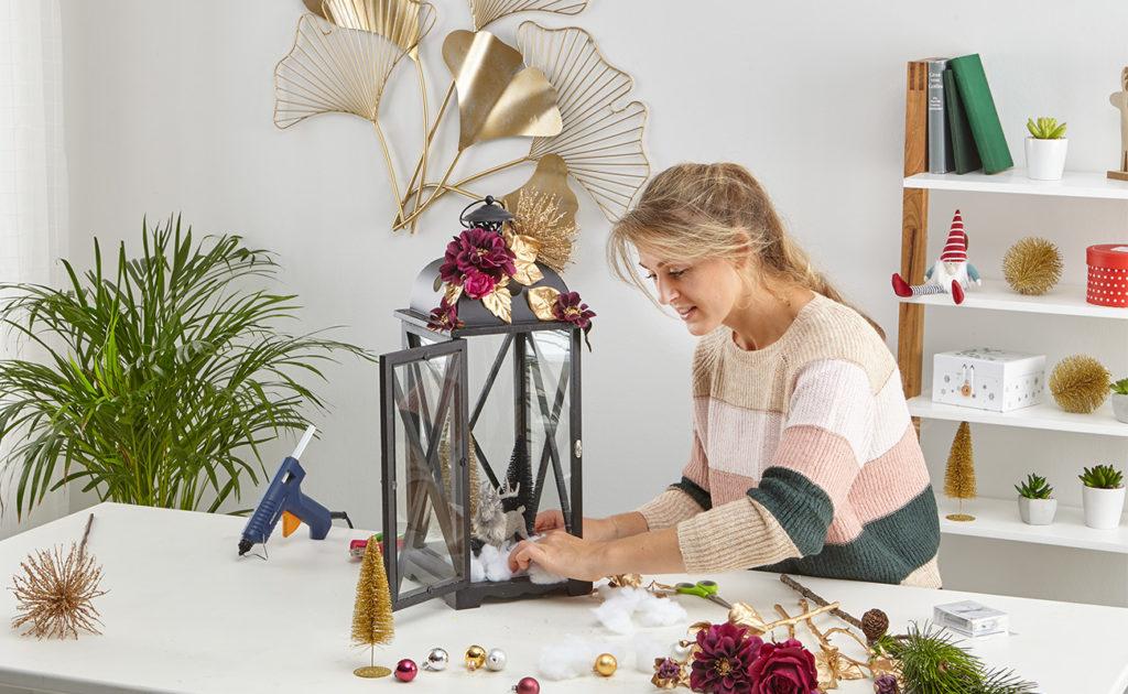 Laterne mit Lichterkette weihnachtlich dekorieren -mömax Blog - Yvonne bastelt6