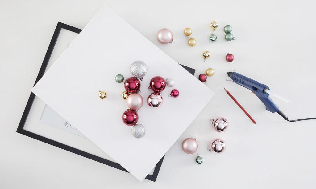 Weihnachtsdeko aus Christbaumkugeln DIY -was man alles benötigt