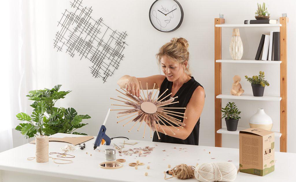 Sonnenspiegel im Boho Stil DIY - mömax Blog - Yvonne bastelt einen Sonnenspiegel