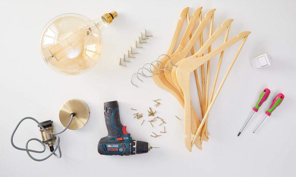 Tischleuchte aus Kleiderbügel DIY - was man alles benötigt