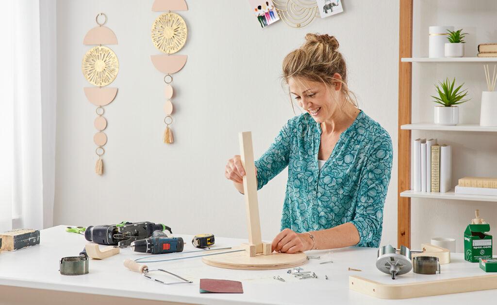 Klappbarer Weintisch fürs Picknick selber machen - mömax Blog